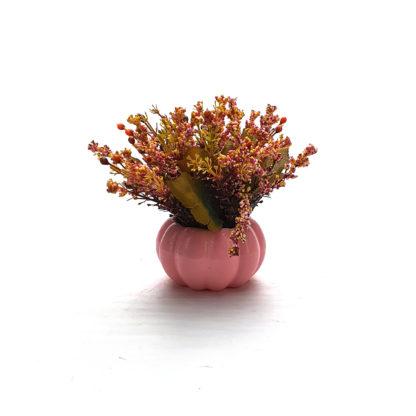 Pembe balkabağı saksıda yapay çiçek aranjmanı çiçek kokulu